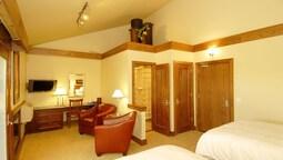 Huff Estates Inn & Winery