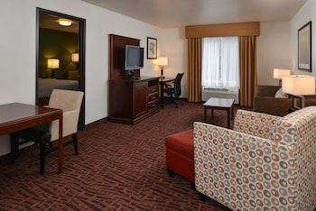 Hotel - Holiday Inn Express & Suites Cherry