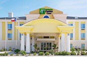 . Holiday Inn Express Hotel and Suites of Falfurrias