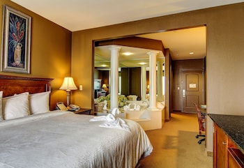 Suite, 1 King Bed, Jetted Tub