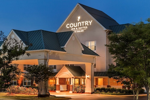 . Country Inn & Suites by Radisson, Chester, VA