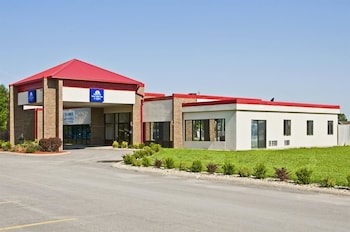 Hotel - Americas Best Value Inn & Suites Hesston
