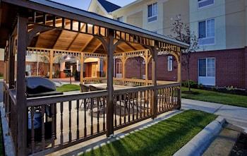 Candlewood Suites Kansas City  - #0