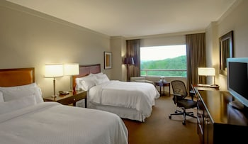 Guestroom at The Westin Baltimore Washington Airport - BWI in Linthicum Heights