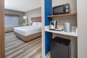 Standard Room, 1 King Bed, Accessible (Roll-In Shower)