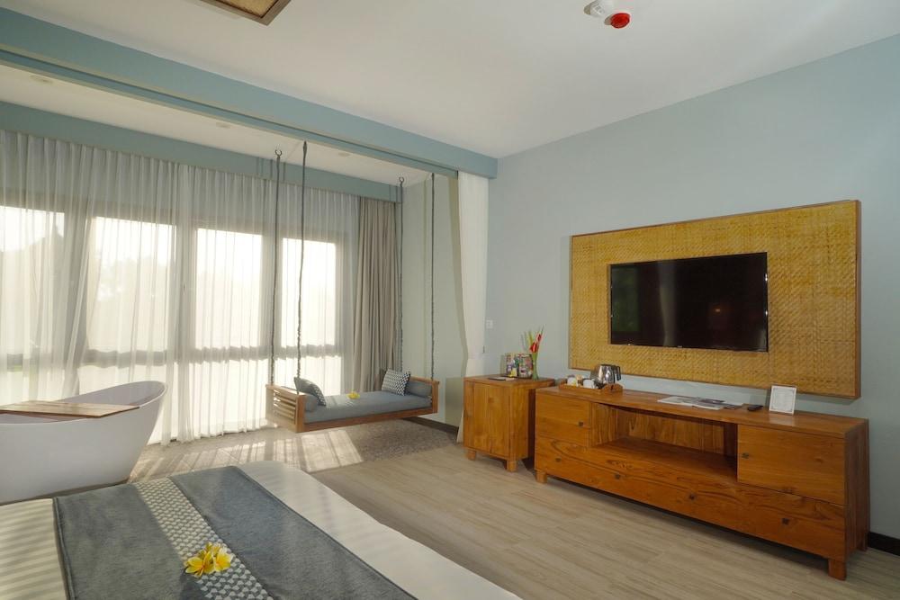 https://i.travelapi.com/hotels/2000000/1780000/1773100/1773032/4f07cf8c_z.jpg