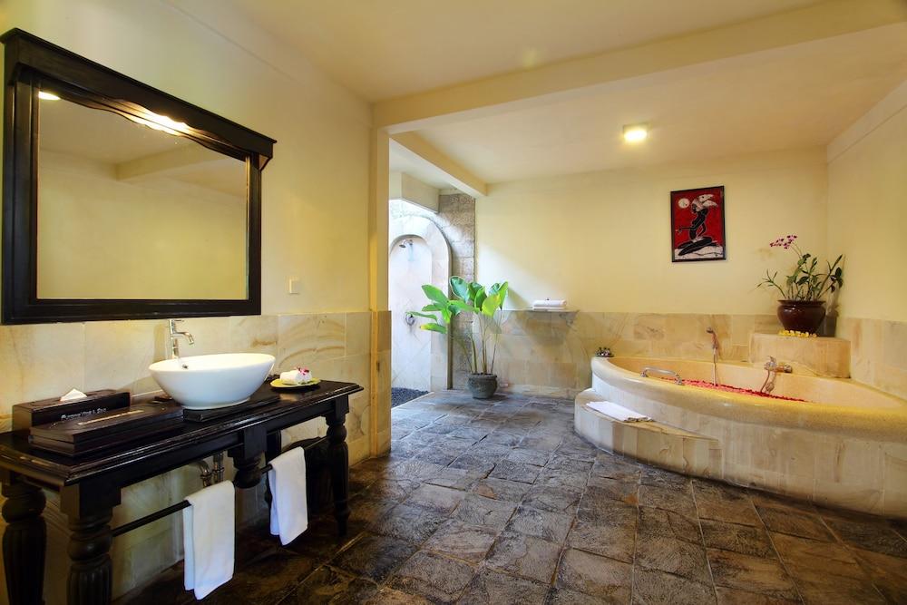https://i.travelapi.com/hotels/2000000/1780000/1773100/1773032/63c9dc36_z.jpg