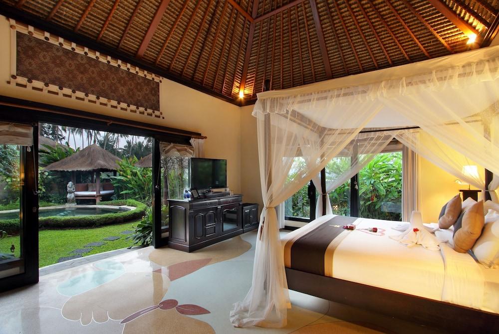 https://i.travelapi.com/hotels/2000000/1780000/1773100/1773032/fccb6d9a_z.jpg