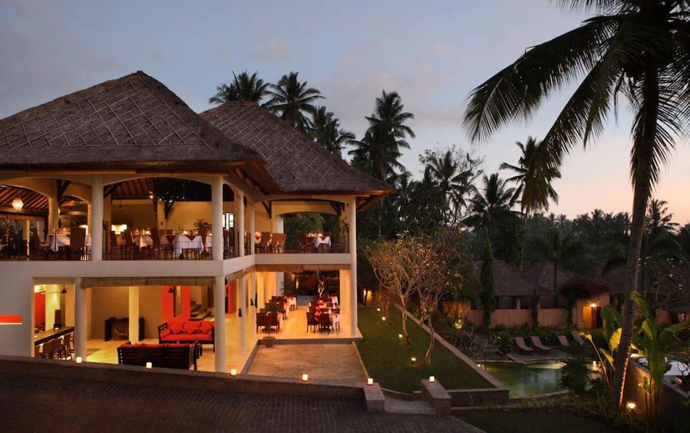 https://i.travelapi.com/hotels/2000000/1780000/1773100/1773032/fd9cde1c_z.jpg