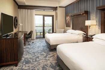 2 Queen Beds Resort View