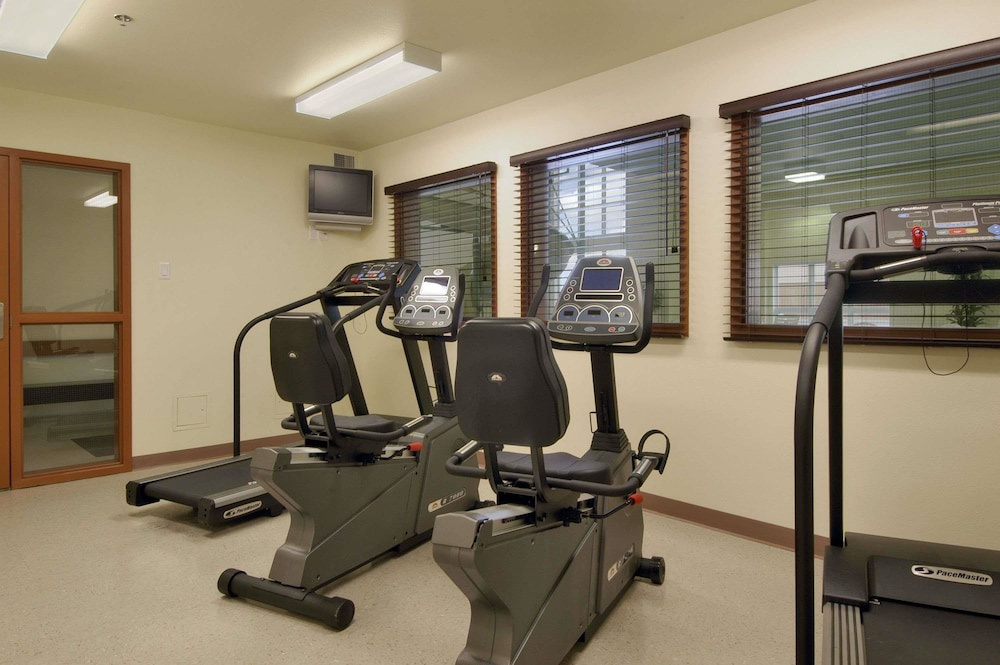 Health and Fitness : Gym 17 of 47