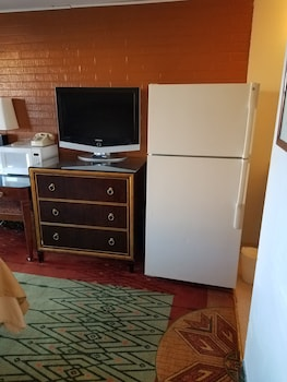 Basic Double Room, 1 Double Bed, Refrigerator & Microwave