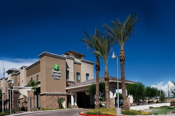 Hotel - Holiday Inn Express & Suites Phoenix - Glendale Sports Dist