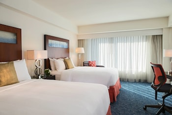 Guestroom at Renaissance Boston Waterfront Hotel in Boston