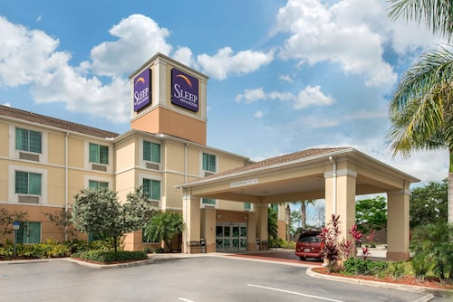 . Sleep Inn & Suites Port Charlotte-Punta Gorda