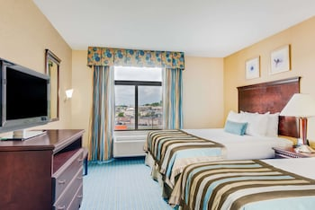 York Vacations - Wingate by Wyndham - York - Property Image 1