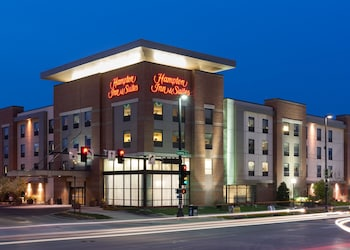 Hampton Inn & Suites by Hilton Omaha Downtown