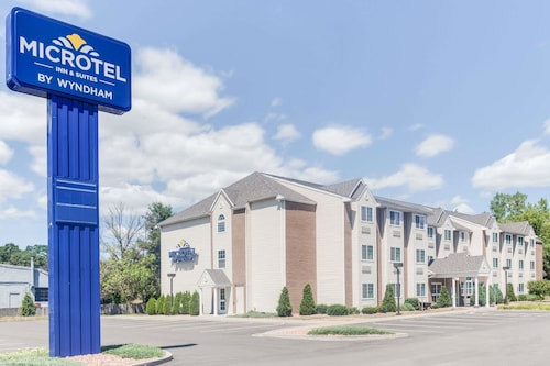. Microtel Inn & Suites by Wyndham Bath