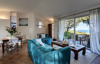 Deluxe Villa, 3 Bedrooms, Sea View, Tower (Ortensia, 66 steps from the reception)
