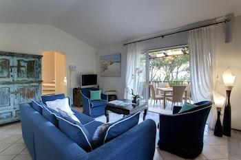 Comfort Villa, 2 Bedrooms, Patio, Sea View (Bouganville, 90 steps from reception)