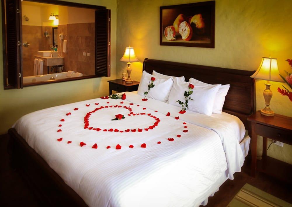 https://i.travelapi.com/hotels/2000000/1790000/1782700/1782695/af64d8e6_z.jpg