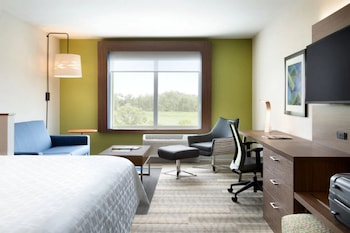 Suite, 1 King Bed, Accessible (Communication Accessible)
