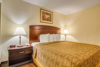 Superior Suite, 1 Queen Bed with Sofa bed, Accessible, Non Smoking