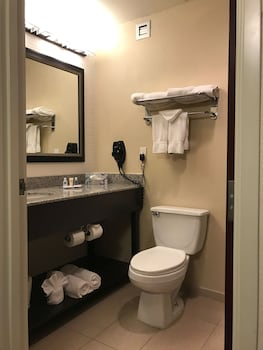 Comfort Inn & Suites - Bathroom  - #0