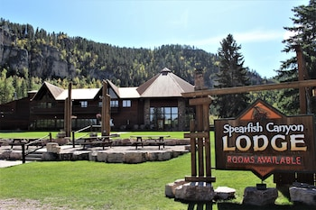 大魚峽谷旅館 Spearfish Canyon Lodge