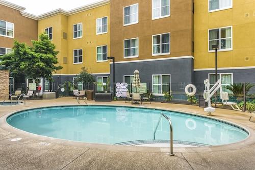 Homewood Suites Carlsbad North, San Diego