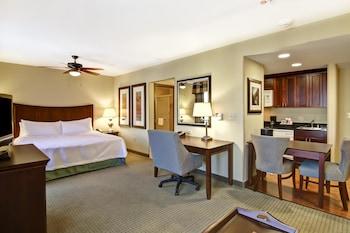 弗雷斯諾希爾頓惠庭套房飯店