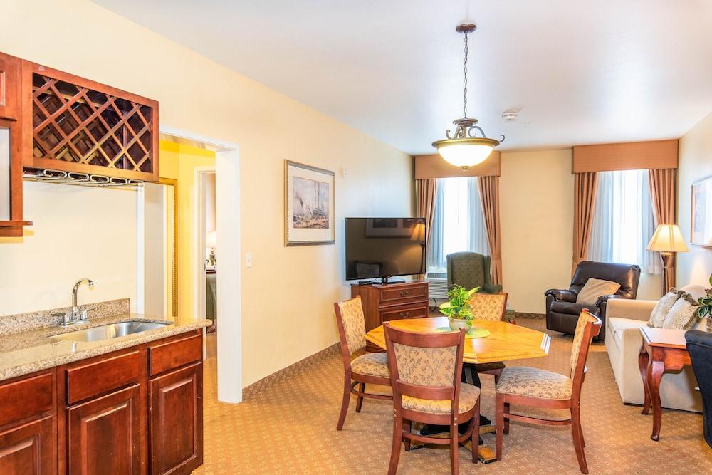 Natchez Grand Hotel Suites On The River Natchez Mississippi Us Reservations Com