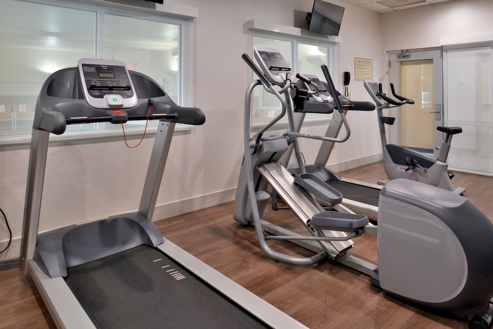 Health and Fitness : Fitness Facility 43 of 132