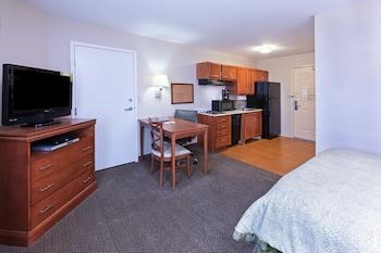 Studio Suite, 1 Queen Bed, Accessible (Mobility)