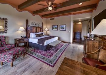 Room, 1 King Bed (Catalina)