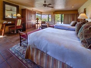 Deluxe Room, 2 Queen Beds (Hacienda)