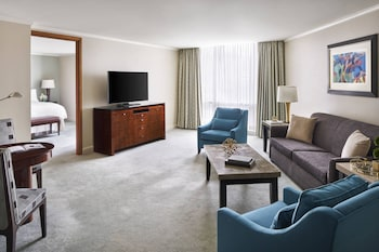 Suite, 1 King Bed with Sofa bed (Ritz-Carlton,1 Bedroom, Larger Suite)