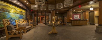 Hotel - Nita Lake Lodge