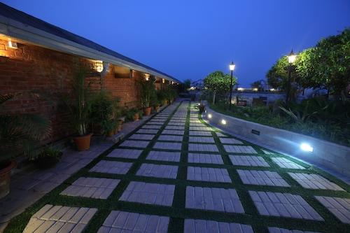 . Dhaka Regency Hotel & Resort