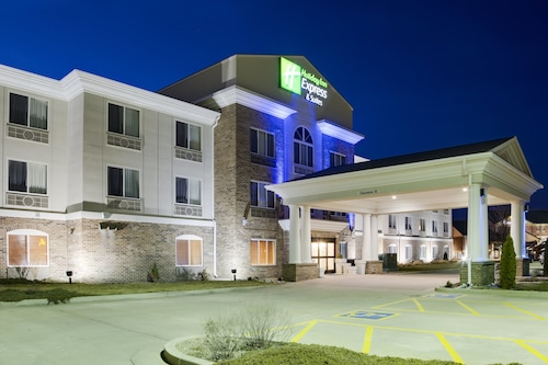 . Holiday Inn Express Hotel & Suites Jacksonville