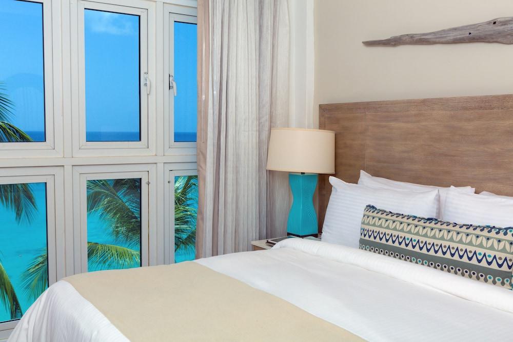 https://i.travelapi.com/hotels/2000000/1800000/1793200/1793115/5083eb9c_z.jpg