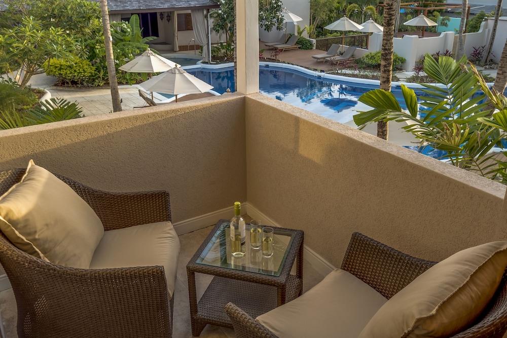 https://i.travelapi.com/hotels/2000000/1800000/1793200/1793115/af5a93ca_z.jpg