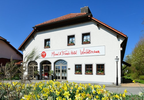 . Michel & Friends Hotel Waldkirchen