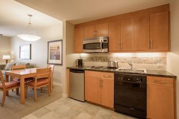 1 Bedroom, Kitchenette (Select)