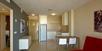 유로파 하우스 선 비치(Europa House Sun Beach) Hotel Image 8 - In-Room Kitchenette