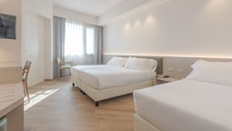Triple Room, 3 Twin Beds (travel)