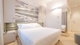 Double Room (travel)