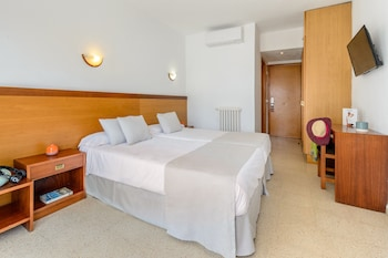 Double Room (Special offer 3 Adults)