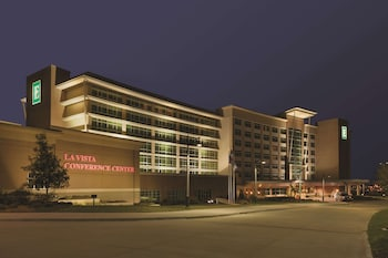 拉維斯塔希爾頓合博套房飯店及會議中心 Embassy Suites Omaha-La Vista/Hotel & Conference Center