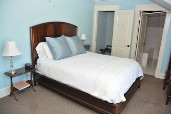 San Gabriel View (Queen Bed)